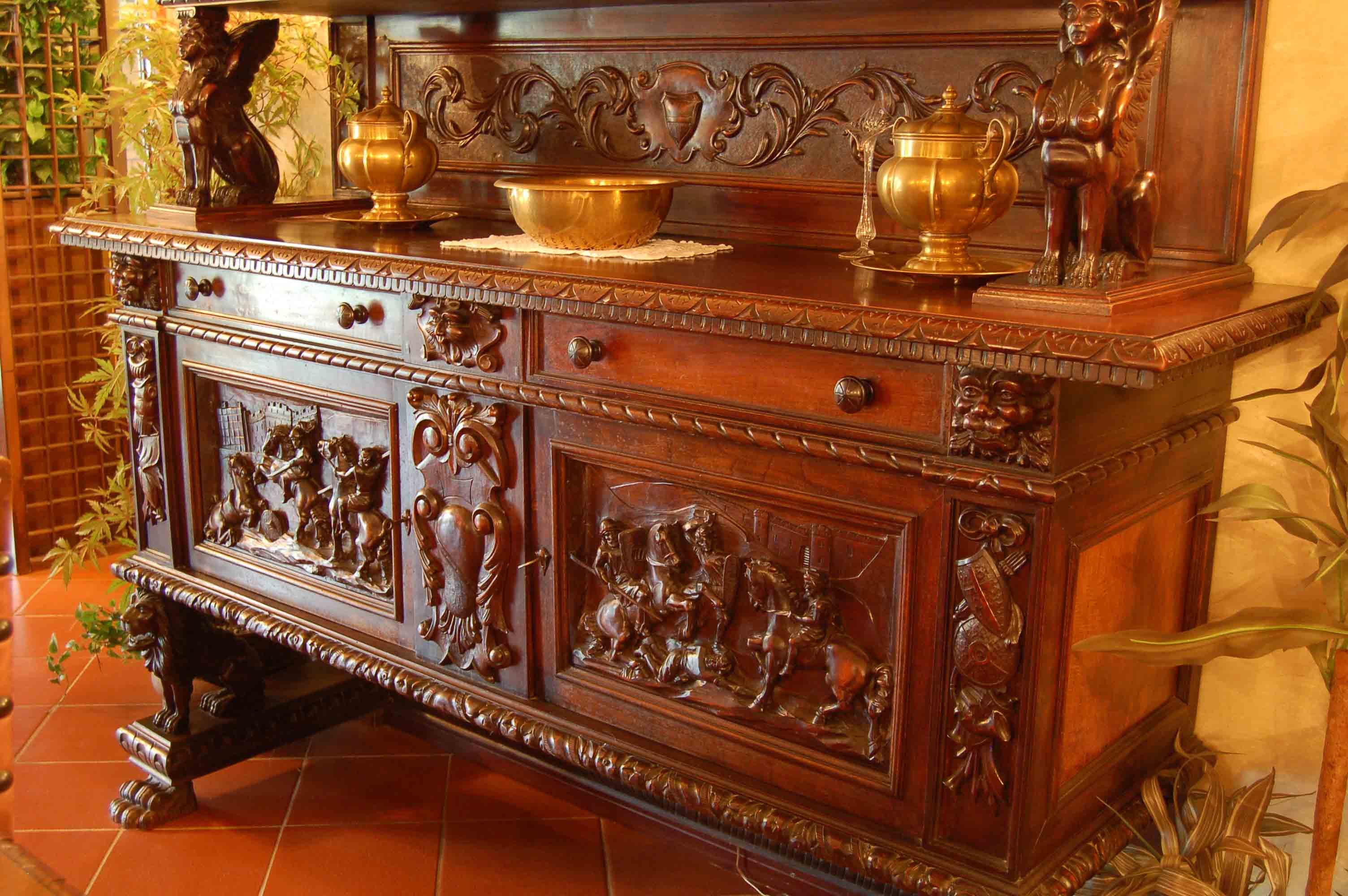 Arredamento Barocco Antico : Mobile antico palazzo saluzzo paesana